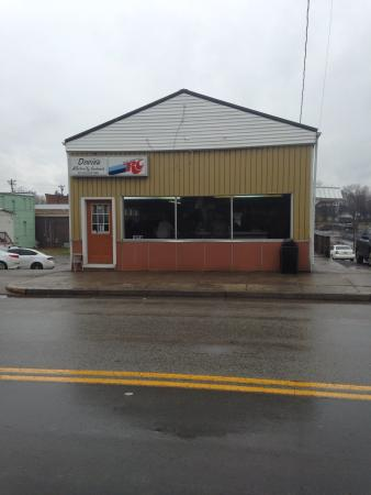 Tompkinsville, KY: Small building BIG taste