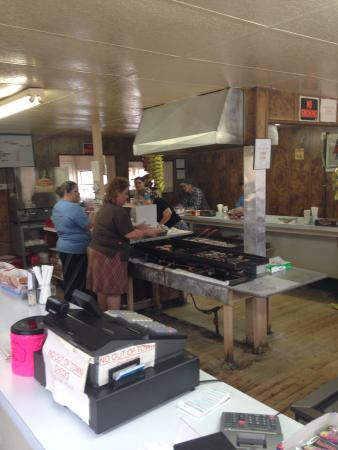 Tompkinsville, KY: The inside of Dovie's