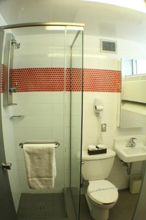 Residences Universite Laval : Salle de bain - Chambre universitaire supérieure