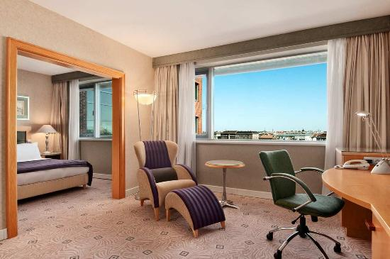 Hilton Budapest City King Junior Suite