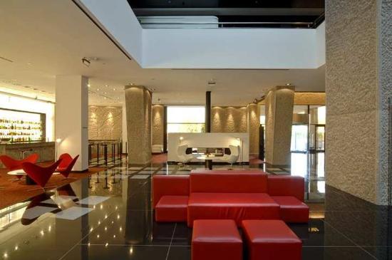 Hilton Madrid Airport: Lobby