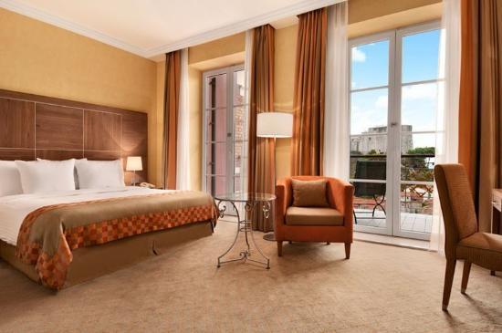 Hilton Imperial Dubrovnik: King Executive Seaview