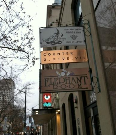 Street sign/ 315 Congress Ave - Austin, TX - Picture of Elephant ...