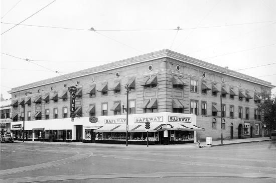 11th Avenue Hotel & Hostel: A view of the Hotel in 1937
