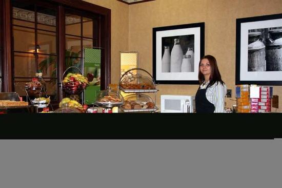 Hampton Inn Louisville-Northeast: Restaurant