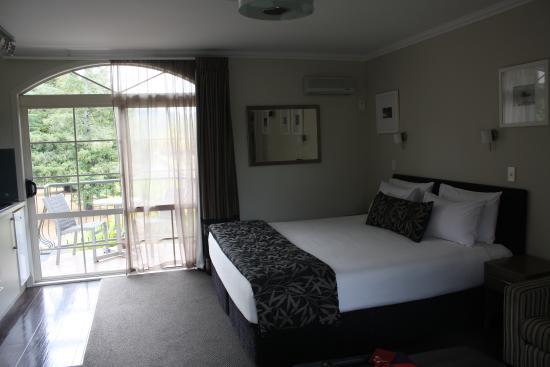Silver Fern Rotorua - Accommodation and Spa : bedroom