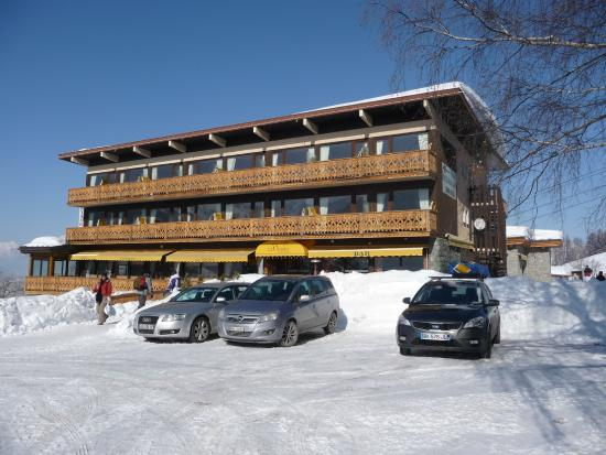 Hotel la Vanoise : South Facing Room front of Hotel