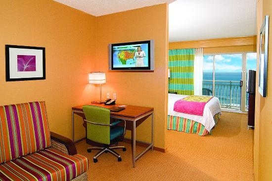 SpringHill Suites Virginia Beach Oceanfront: Oceanfront King Studio Suite