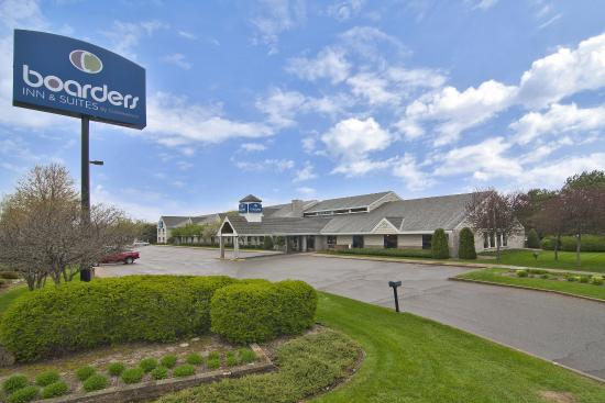 Boarders Inn and Suites by Cobblestone Hotels Faribault, MN