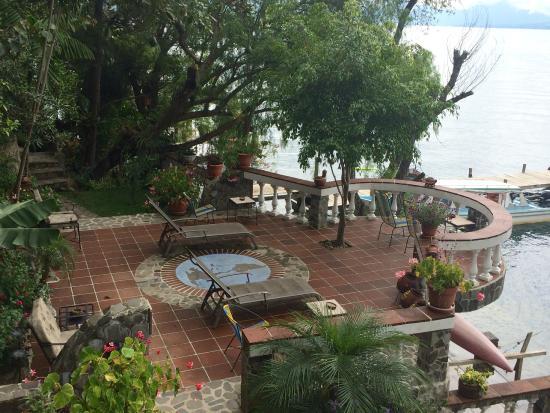 La Casa del Mundo Hotel: Sun chairs