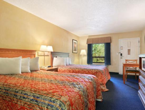 Magnuson Inn and Suites Gulf Shores: Double Bedroom