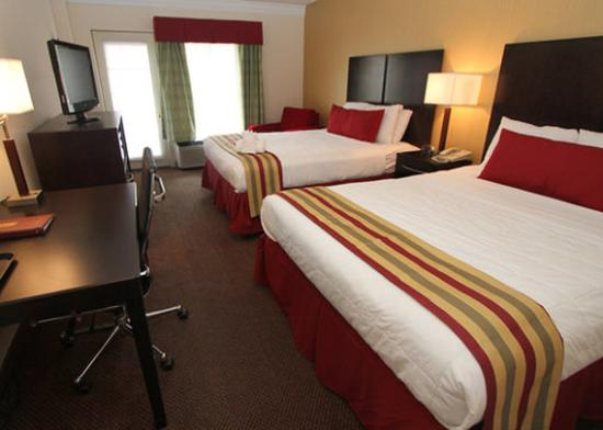 Clarion Inn & Suites: Two Queens