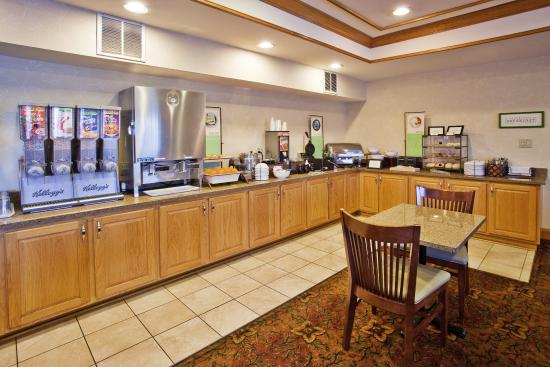 Country Inn & Suites By Carlson, McDonough: CountryInn&Suites McDonough  BreakfastRoom