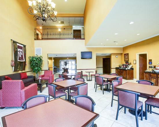 Comfort Suites Texas Ave.: TXBREAKFAST