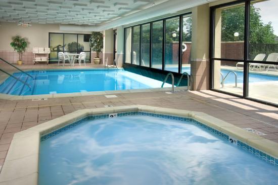 Indoor Outdoor Pool Whirlpool Picture Of Drury Inn Suites Kansas City Overland Park