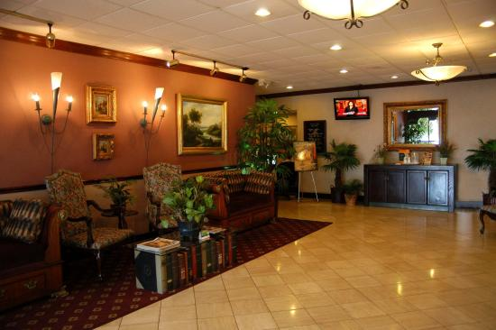 The Avenue Hotel Lakeland: Lobby