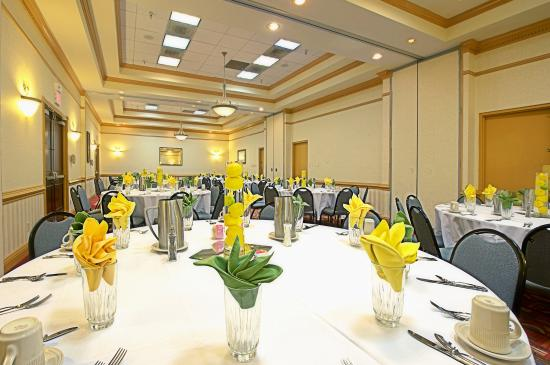 sunland park chat rooms Book the best western sunland park inn - situated in el paso, this hotel is within 1 mi (2 km) of bob-o's family fun center and western playland amusement park.
