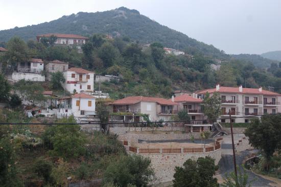 Θραψίμι, Ελλάδα: Θέα από τη πλατεία του χωριού