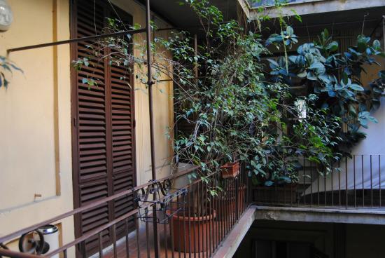 Hotel Galatea : vue de la cours intérieure de l'hotel