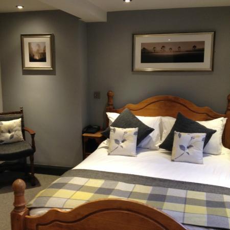 The Woodman Inn: Beautifully decorated bedroom