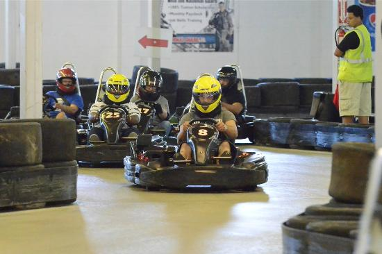 Go Karts Columbus >> Close Competition Picture Of Grand Prix Karting Indoor