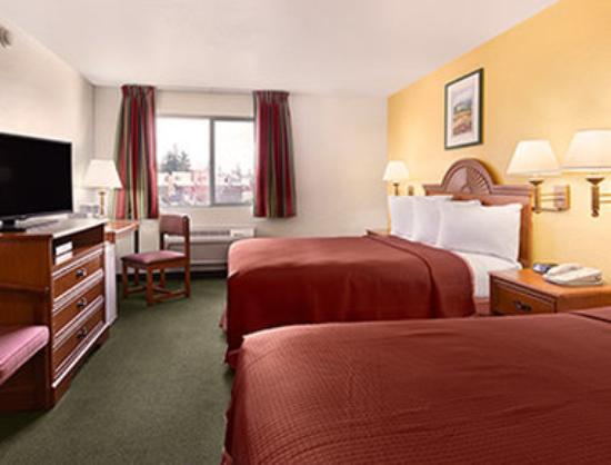 Howard Johnson Inn Salem: Standard Double Room