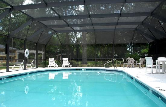 Cumberland Island Inn & Suites: Pool