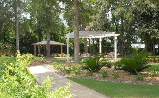Cumberland Island Inn & Suites: Outdoor