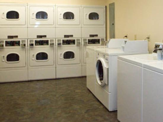 Value Place Austin (Round Rock): Laundry