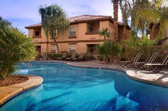 Desert paradise resort 85 1 0 6 updated 2018 for Pool show las vegas 2018