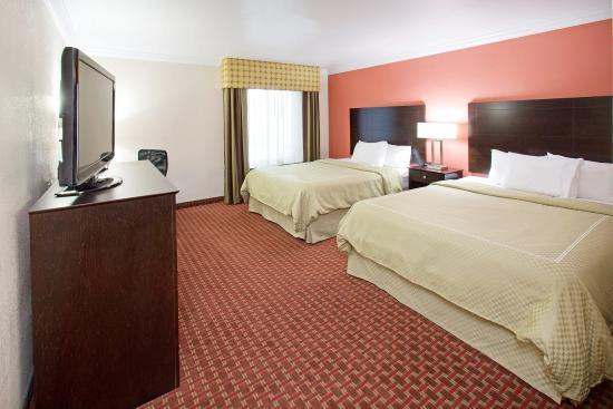 AmericInn Hotel & Suites Johnston: Americ Inn Johnston Double Queen