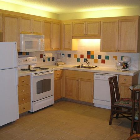 Royal Kuhio Resort : Kitchen