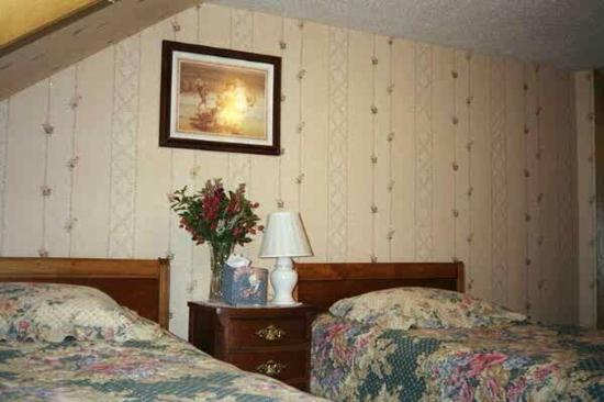 Fairbanks Downtown Bed & Breakfast: Guest Room -OpenTravel Alliance - Guest Room-