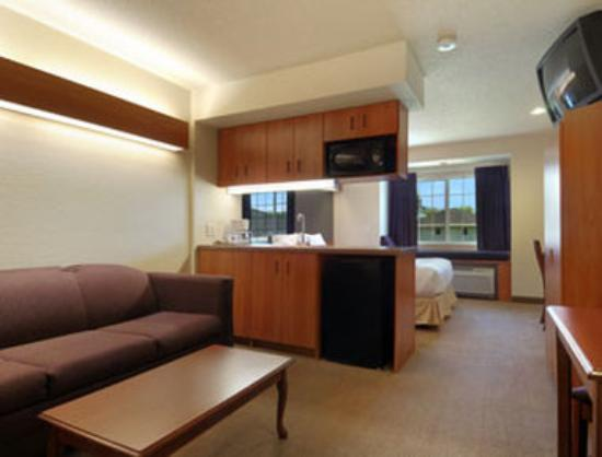 Springfield, MN: Suite
