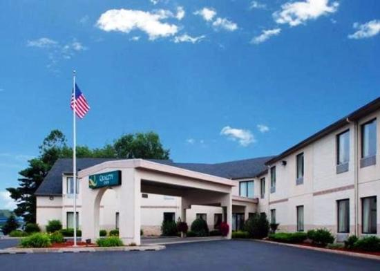 Quality Inn Binghamton West: Exterior