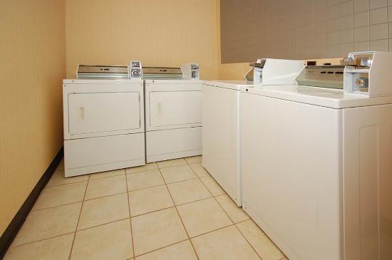 Ramada Murfreesboro: P Guest Coin Laundry