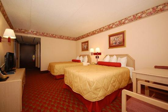 Ramada Murfreesboro: P Two Double Bed's Room