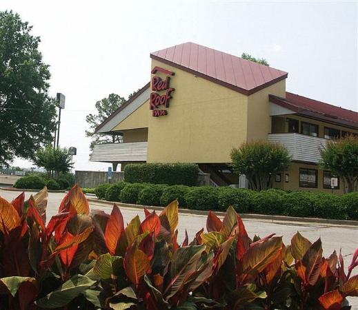 Red Roof Inn - Chattanooga Airport: Inn Exterior