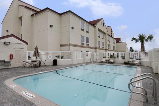 Red Roof Inn & Suites Corpus Christi: Pool