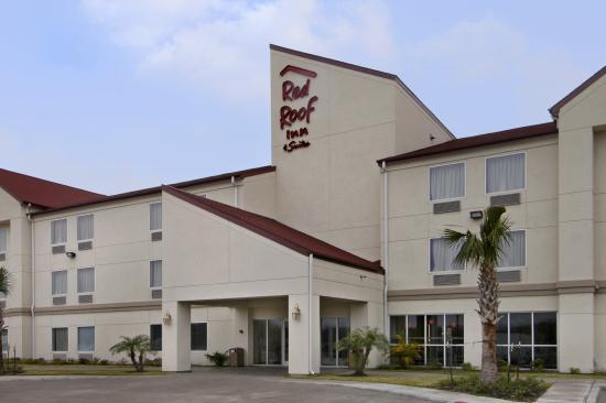 Red Roof Inn & Suites Corpus Christi: Inn Exterior