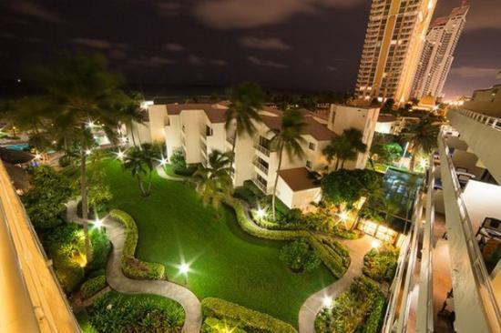 Golden Strand Ocean Villa Resort: Exterior