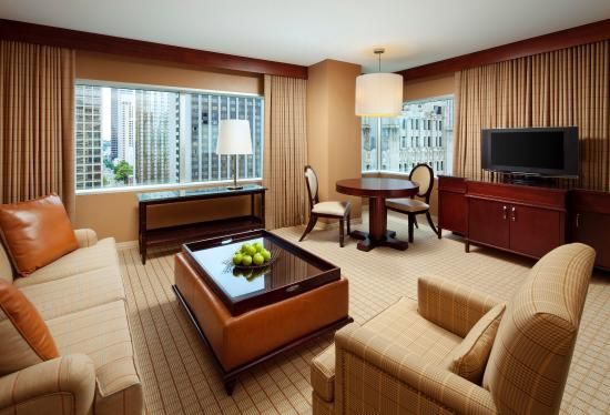 Sheraton Seattle Hotel: One Bay Parlor Suite