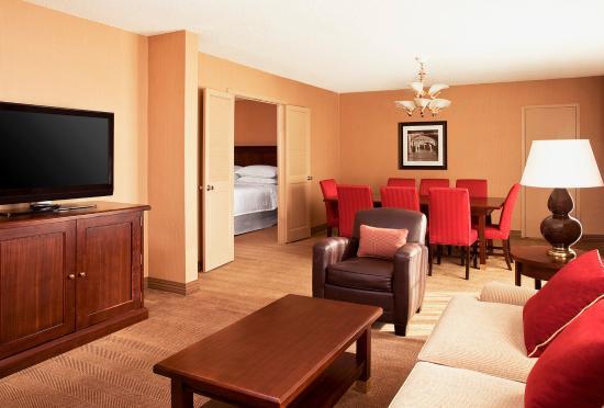 Sheraton Harrisburg-Hershey: Suite