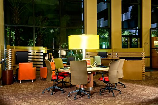 Sheraton Fort Lauderdale Airport & Cruise Port: The Link Sheraton