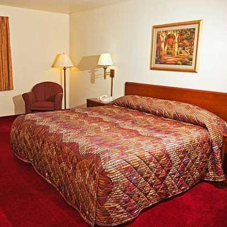 Family Budget Inn: Guest Room (OpenTravel Alliance - Guest room)