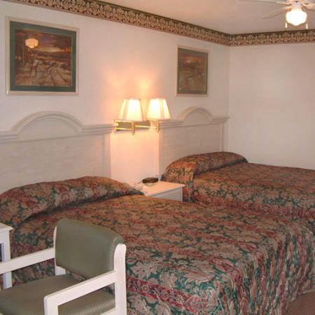 Deerfield Inn & Suites: Guest Room
