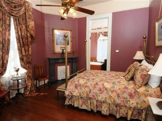 Degas House: Guest Room
