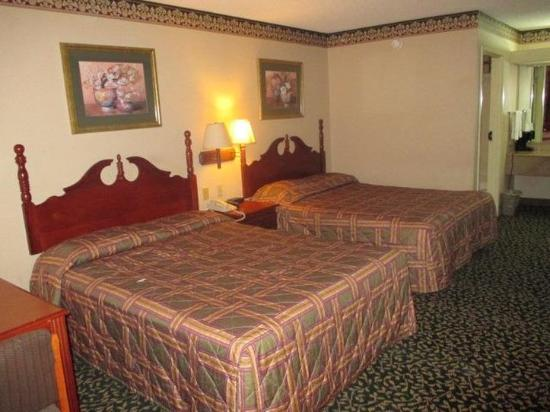 Photo of Red Carpet Inn & Suites New Orleans