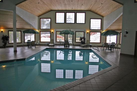 Woodland Park Country Lodge: Swimming Pool