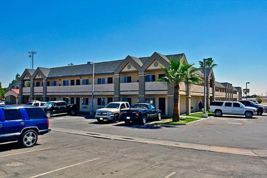 Motel 6 Buttonwillow North: MExterior2